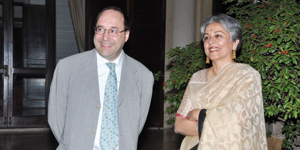 Ing. Matteo Volpe et l'arc. Brinda Somaya pendant l'événement organisé par IGV chez l'Ambassade d'Italie à New Delhi (Inde)